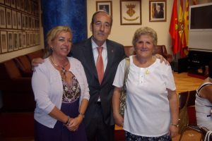 Con Jaime Feijóo y Teresa, presidenta de la Casa Murciana