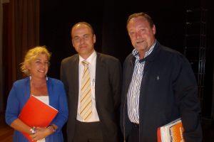 En la foto con Jaime Armengol, director del Periodico de Aragón y Martín Nicolás, representante del PSOE en el debate.